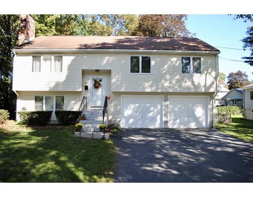 Частный односемейный дом для того Продажа на 69 Howland Needham, Массачусетс 02492 Соединенные Штаты