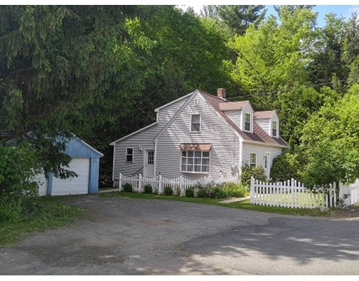 Single Family Home for Sale at 417 Huntington Road Russell, Massachusetts 01071 United States