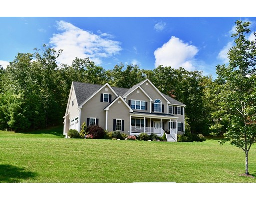 Maison unifamiliale pour l Vente à 92 Robin Hill Road Groton, Massachusetts 01450 États-Unis