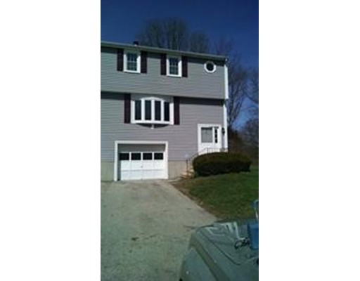 Single Family Home for Rent at 10 village green Millbury, Massachusetts 01527 United States