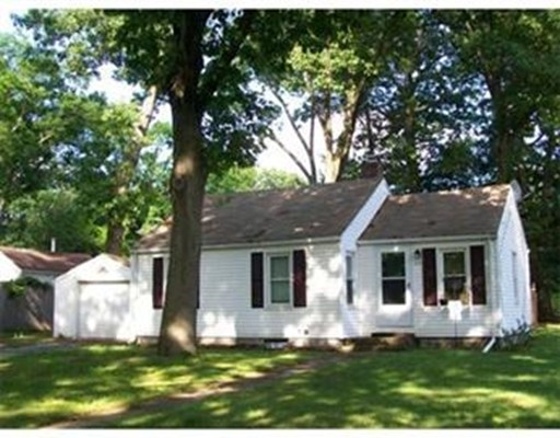 Single Family Home for Rent at 113 Fairview Street 113 Fairview Street Longmeadow, Massachusetts 01106 United States