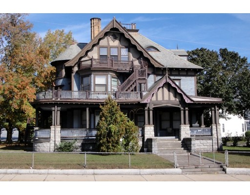 Maison unifamiliale pour l à louer à 587 Haverhill Street Lawrence, Massachusetts 01841 États-Unis
