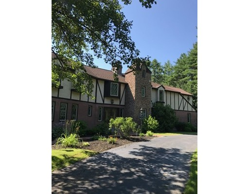 Single Family Home for Sale at 8 Beau Monde Drive 8 Beau Monde Drive North Hampton, New Hampshire 03862 United States
