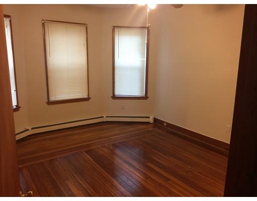 Casa Unifamiliar por un Alquiler en 16 Hansborough Boston, Massachusetts 02124 Estados Unidos