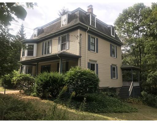 独户住宅 为 销售 在 163 Cypress Street 牛顿, 马萨诸塞州 02459 美国