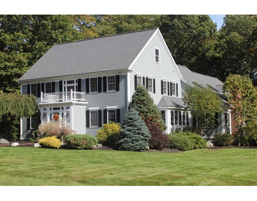 Casa Unifamiliar por un Venta en 8 Quail Run 8 Quail Run Medfield, Massachusetts 02052 Estados Unidos