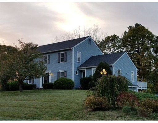 Single Family Home for Sale at 16 Aaron Drive 16 Aaron Drive Topsfield, Massachusetts 01983 United States