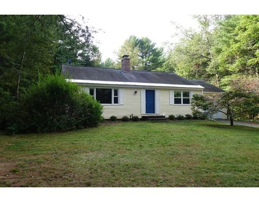 Maison unifamiliale pour l Vente à 210 Leverett Road 210 Leverett Road Shutesbury, Massachusetts 01072 États-Unis
