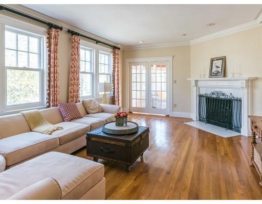 共管式独立产权公寓 为 销售 在 226 Commonwealth Avenue 牛顿, 马萨诸塞州 02467 美国