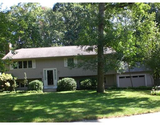 独户住宅 为 销售 在 50 Blackinton Drive 50 Blackinton Drive Attleboro, 马萨诸塞州 02703 美国