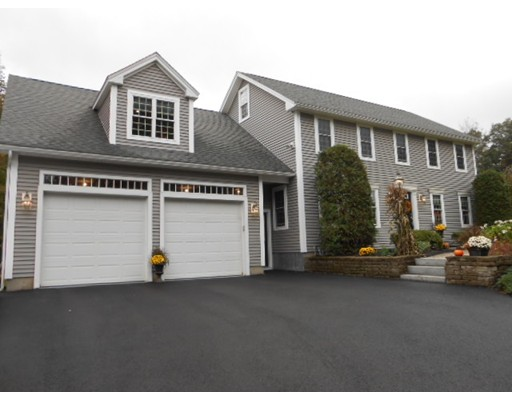 Single Family Home for Sale at 115 West Street Paxton, Massachusetts 01612 United States