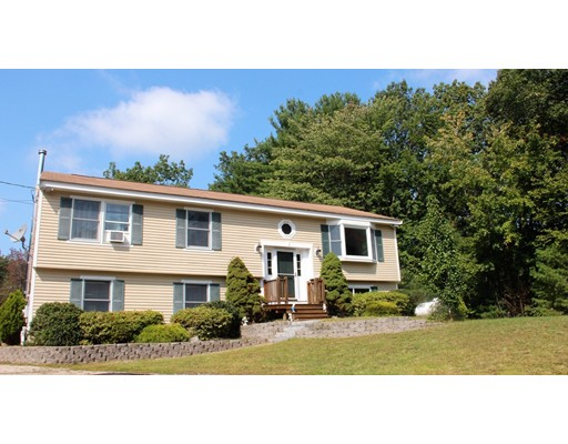 Single Family Home for Sale at 71 Stonehenge 71 Stonehenge Londonderry, New Hampshire 03053 United States