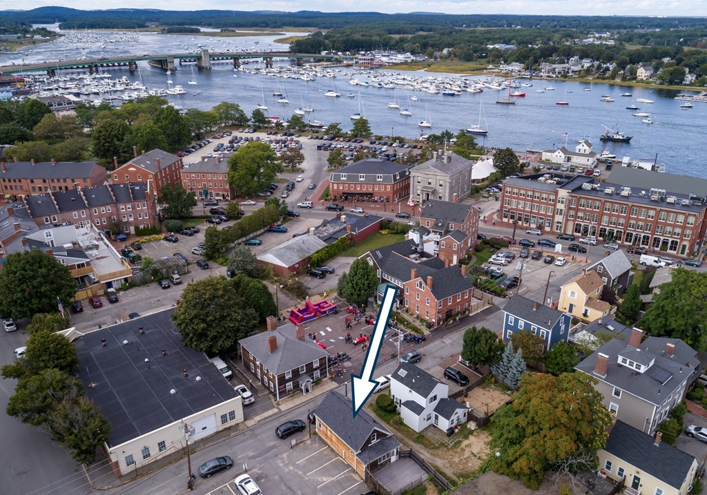 Property for sale at 11 Center St, Newburyport,  MA 01950