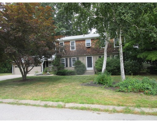 Single Family Home for Sale at 10 Sweet Briar Lane West Warwick, Rhode Island 02893 United States