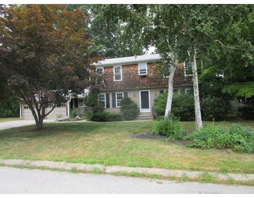 Частный односемейный дом для того Продажа на 10 Sweet Briar Lane West Warwick, Род-Айленд 02893 Соединенные Штаты