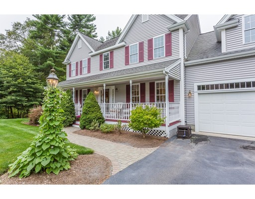 واحد منزل الأسرة للـ Sale في 50 Deer Hollow Trail Raynham, Massachusetts 02767 United States