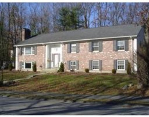 واحد منزل الأسرة للـ Rent في 84 Cleveland Road 84 Cleveland Road Wellesley, Massachusetts 02482 United States