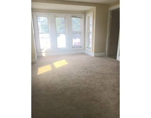 Casa Unifamiliar por un Alquiler en 96 Calmar Street 96 Calmar Street Brockton, Massachusetts 02301 Estados Unidos