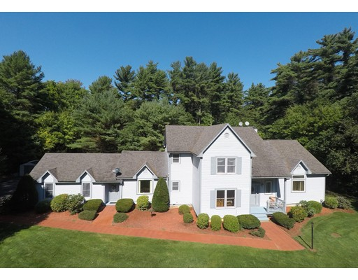 Casa Unifamiliar por un Venta en 3 Carriage House Drive Lakeville, Massachusetts 02347 Estados Unidos