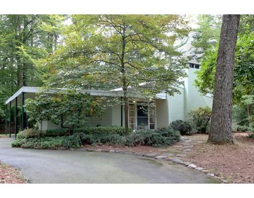 Частный односемейный дом для того Продажа на 6 PEQUOT Road Wayland, Массачусетс 01778 Соединенные Штаты