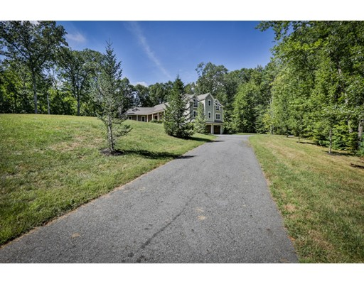 Single Family Home for Sale at 9 Brush Hill Road 9 Brush Hill Road Merrimac, Massachusetts 01830 United States
