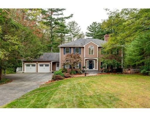 Single Family Home for Sale at 9 Woodside Circle Sturbridge, Massachusetts 01566 United States