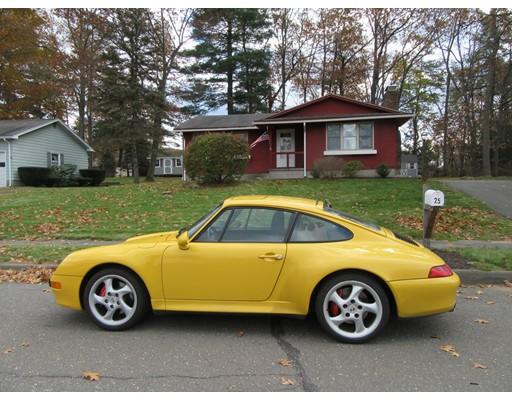 独户住宅 为 销售 在 25 Sandra Road Easthampton, 马萨诸塞州 01027 美国