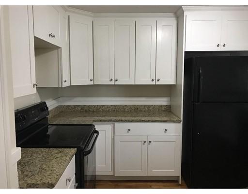 独户住宅 为 出租 在 22 Weston Avenue 22 Weston Avenue Braintree, 马萨诸塞州 02184 美国