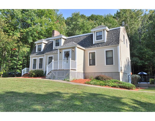 Single Family Home for Sale at 4 Independence Avenue 4 Independence Avenue Derry, New Hampshire 03038 United States