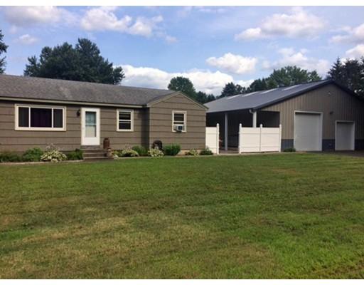 Частный односемейный дом для того Продажа на 12 Beaver Drive 12 Beaver Drive Deerfield, Массачусетс 01373 Соединенные Штаты