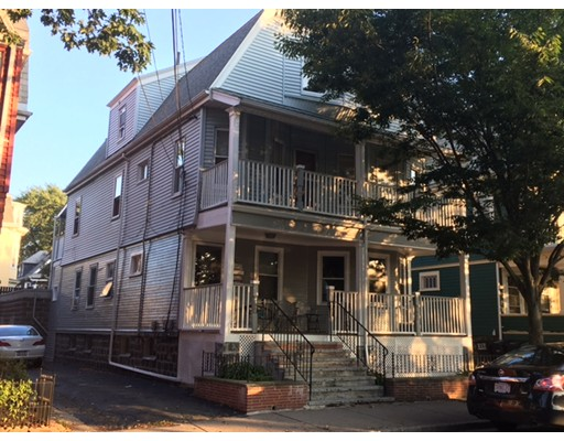 Additional photo for property listing at 17 Simpson #2 17 Simpson #2 Somerville, Massachusetts 02143 Estados Unidos