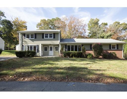 Maison unifamiliale pour l Vente à 85 Oak Street 85 Oak Street Avon, Massachusetts 02322 États-Unis