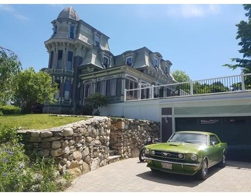 Частный односемейный дом для того Аренда на 139 Methuen Street 139 Methuen Street Lowell, Массачусетс 01850 Соединенные Штаты