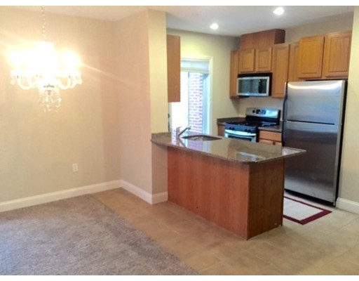 Additional photo for property listing at 1522 VFW Parkway  波士顿, 马萨诸塞州 02132 美国