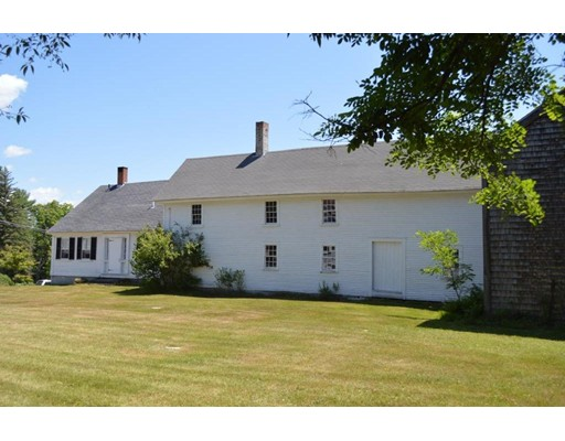 Single Family Home for Sale at 21 Town House Road 21 Town House Road Effingham, New Hampshire 03882 United States