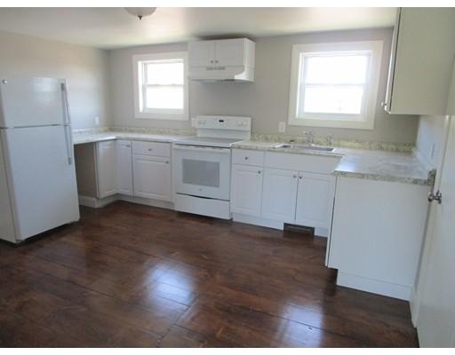 公寓 为 出租 在 22 Goddard Street #3 22 Goddard Street #3 Southbridge, 马萨诸塞州 01550 美国