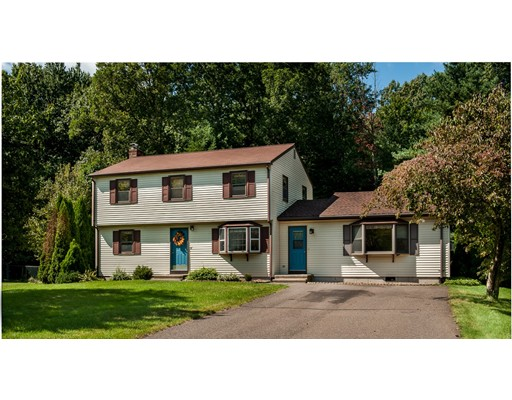 Casa Unifamiliar por un Venta en 12 Matthew Lane Windsor, Connecticut 06095 Estados Unidos