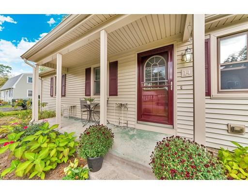 独户住宅 为 销售 在 14 Rabideau Drive Easthampton, 马萨诸塞州 01027 美国