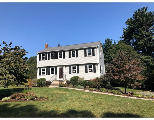 Single Family Home for Sale at 9 Green Valley Road 9 Green Valley Road Medway, Massachusetts 02053 United States