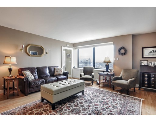 65 East India Row, 20C - Waterfront, MA
