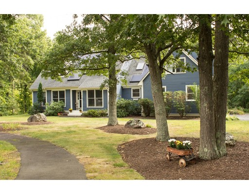 Single Family Home for Sale at 6 Ira Von Circle Foxboro, Massachusetts 02035 United States