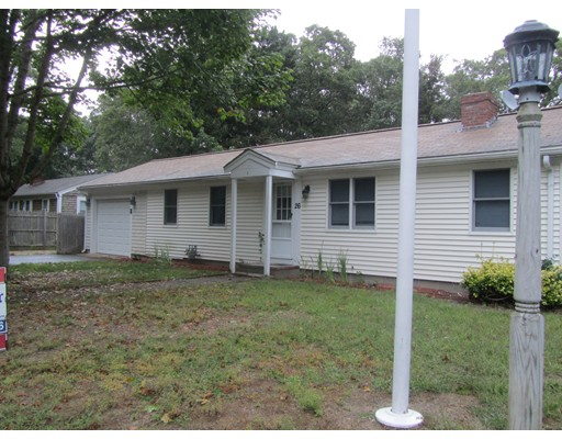 واحد منزل الأسرة للـ Sale في 26 Circuit Rd. East 26 Circuit Rd. East Yarmouth, Massachusetts 02673 United States