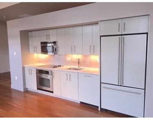Casa Unifamiliar por un Alquiler en 33 3rd Avenue Boston, Massachusetts 02129 Estados Unidos