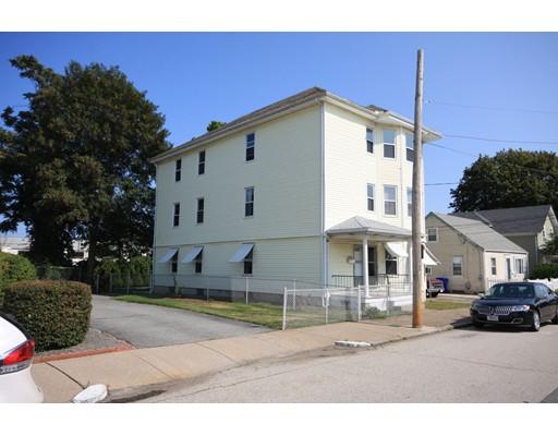 متعددة للعائلات الرئيسية للـ Sale في 22 Dickens Street Pawtucket, Rhode Island 02861 United States
