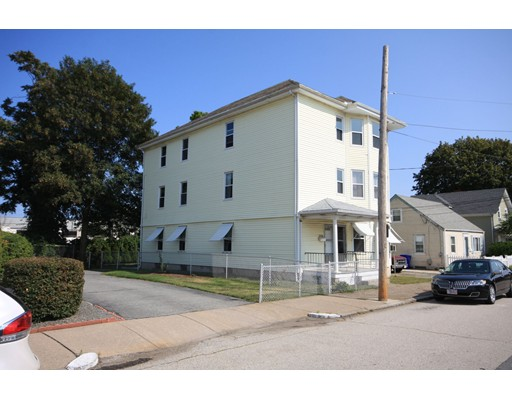 Additional photo for property listing at 22 Dickens Street 22 Dickens Street Pawtucket, 罗得岛 02861 美国
