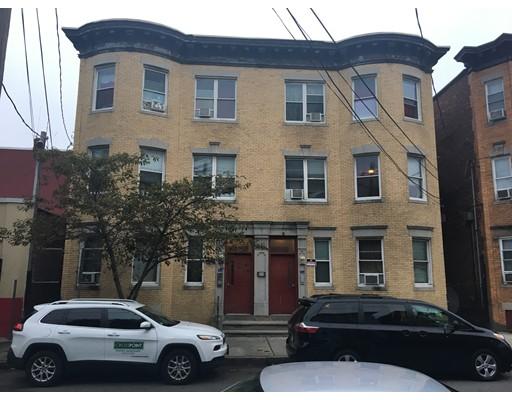 Casa Multifamiliar por un Venta en 243 Chestnut 243 Chestnut Chelsea, Massachusetts 02150 Estados Unidos