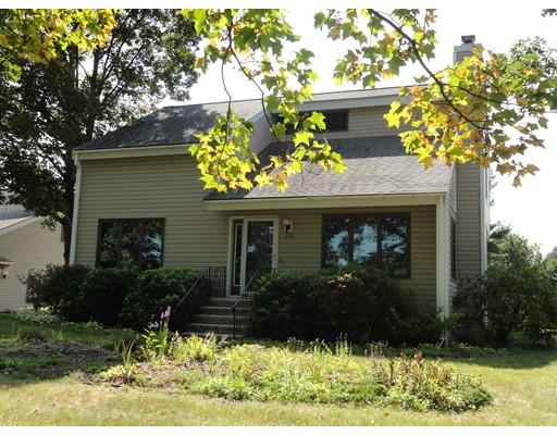 Casa Unifamiliar por un Venta en 132 Groton Road Shirley, Massachusetts 01464 Estados Unidos