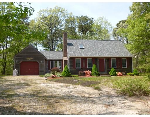 Maison unifamiliale pour l Vente à 8 Leaf Lane 8 Leaf Lane Eastham, Massachusetts 02642 États-Unis