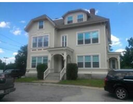 Maison avec plusieurs logements pour l Vente à 112 Hamilton Street 112 Hamilton Street Southbridge, Massachusetts 01550 États-Unis