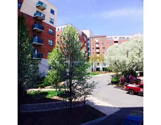 Appartement en copropriété pour l Vente à 175 Cottage Street Chelsea, Massachusetts 02150 États-Unis